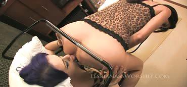 Larkin Love and Marlena - Ass Worship #2